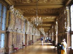 The François The gallery in the Château de Fontainebleau Interior Design Boards, Luxury Interior Design, Baroque Design, Three Dimensional, Renaissance, Ceiling Lights, Architecture, Image, Homes