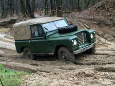 Land Rover 88 inch Serie III Soft Top in mud