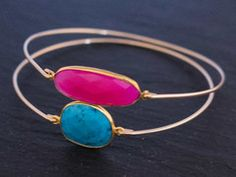 Get tips on how to wear stacking bangles at my blog :-)