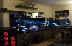 megaonlinegamezone:  This Gamer Schreibtisch Looks so good in This Gaming Room. <3<3<3<3<3<3<3