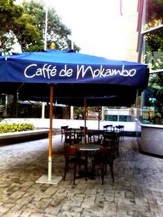 Ubicada en La Torre Digitel, Planta Baja, Avenida Eugenio Mendoza, Caracas, Venezuela.