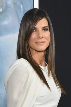Sandra Bullock Shares Her Life Lessons with Unsuspecting High-School Grads | Vanity Fair