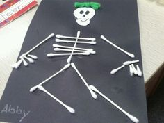 This is a really fun way to teach kids about bones.I read the book Dem Bones and we also sung songs about our bones.Another funny book to read is Skeleton Has Hicups. The kids then get to make their own skeleton using Q tips. They can make it a girl or a boy by adding bows or bowties.So fun!!! This is not my original idea, it might be by Mailbox.I have added to the idea over the years.