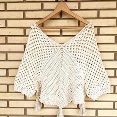 66 best ideas for crochet shawl outfit sweaters Crochet Hippie, T-shirt Au Crochet, Cardigan Au Crochet, Crochet Capas, Pull Crochet, Bonnet Crochet, Mode Crochet, Crochet Shirt, Crochet Jacket