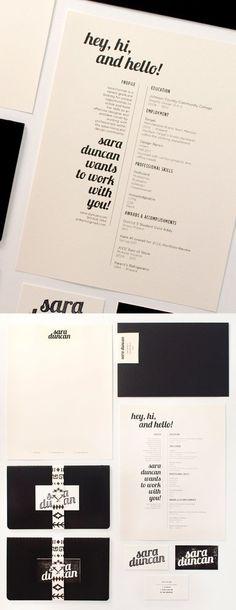 Un CV qui renoue avec la simplicité. La encore la couleur du papier y joue son rôle. La sobriété par excellence !