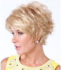 Short Shag Hairstyles for Women Over 50 Back Veiws Short Choppy Hair, Short Shag Hairstyles, Short Hairstyles For Women, Short Haircuts, Bun Hairstyles, School Hairstyles, Hairstyles Videos, Long Bangs, Hairstyles 2016