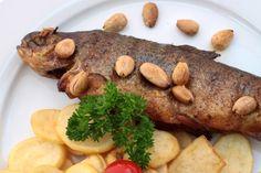 rybí_speciality Baked Potato, Potatoes, Baking, Ethnic Recipes, Food, Bakken, Eten, Bread, Potato