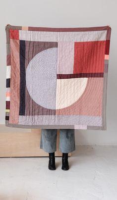 Thompson Street Studio Sol Quilt - Red