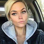 "1,024 Likes, 32 Comments - Krissa Fowles 💕 (@krissafowles) on Instagram: ""👑 loving this @fanolanoyellowshampoo 🙋🏼 thank you @pompsalon 💇🏼"""