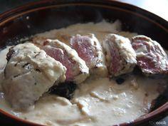 Venez découvrir cette recette originale de Magret de canar sauce camembert ! Pour la recette c'est par ici : www.toocook.com/recette/317/magret-de-canard-sauce-camembert/