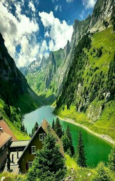 I would love waking up every morning to see that beautiful scenery absolutely stunning Beautiful World, Beautiful Places, Beautiful Scenery, Places Around The World, Around The Worlds, Places To Travel, Places To Visit, Places In Switzerland, Lake View