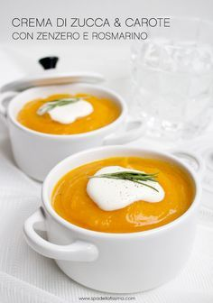 Zucchini and carrot cream soup with ginger and rosemary / Crema di zucca e carote con zenzero e rosmarino Pumpkin Recipes, Soup Recipes, Vegetarian Recipes, Healthy Recipes, I Love Food, Good Food, Yummy Food, Confort Food, Antipasto