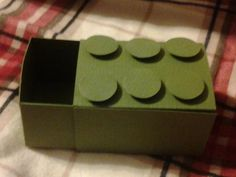Green Lego treat box. Video tutorial. Love this for a Lego party!
