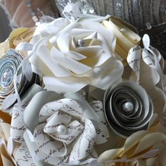 Fresh! Our new bridal bouquet. So chic and romantic!