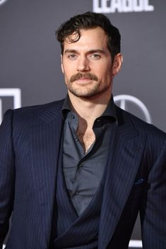 """Henry Cavill Photos - Henry Cavill arrives for the world premiere of Warner Bros. Pictures' """"Justice League,"""" November 2017 at the Dolby Theater in Hollywood, California. Henry Cavill Beard, Henry Cavill Tudors, Henry Cavill Girlfriend, Henry Cavill Justice League, Superman, Henry Caville, Gentleman, Long Haired Men, 21 Men"""