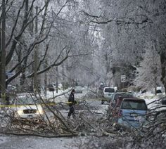 Toronto ice storm 2013: Nearly 500,000 without electricity