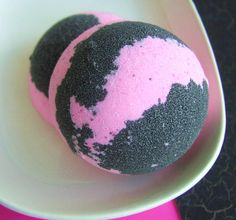 Bath Bomb  Rockin It Bomb  Half size  by SunbasilgardenSoap, $3.00