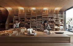Customization: undulating shelf