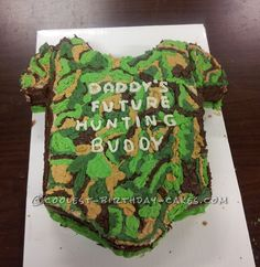Coolest Camo Baby Shower Cake... This website is the Pinterest of birthday cake ideas