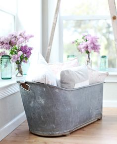 antique french galvanized bathtub I would mind having this bathtub for my tiny home on wheels I want to build.