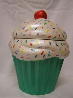 Rainbow Sprinkles Mint Green Crunch Cupcake Jar by whitedovecrafts, $13.50  Cool & Mint Cupcake decor to adore.  Makes a great gift for that special someone.  Mother's Day fast approaches.