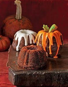 Mini pumpkin buntcakes as min-wedding cakes