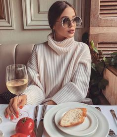 Lovely Street Style You Should Already Own - Fashion Idea Classy Outfits, Chic Outfits, Beautiful Outfits, Trendy Outfits, Fashion Outfits, Beautiful Clothes, Look Fashion, Girl Fashion, Womens Fashion