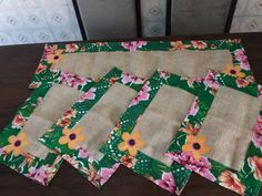 Patchwork cozinha jogo americano 66 trendy ideas The Effective Pictures We Offer You About patchwork quilting how to make a A quality picture can tell you many things. You can find the most beautiful Patchwork Tiles, Baby Patchwork Quilt, Patchwork Quilt Patterns, Patchwork Cushion, Crazy Patchwork, Rustic Placemats, Rustic Table, Quilting For Beginners, Fabric Scraps