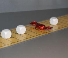 (0.-9.lk) Karkkipeli « OuLUMA – Pohjois-Suomen LUMA-toiminnan foorumi - Tässä strategisessa kaksinpelissä liikutetaan vuorotellen nappuloita pelilaudalla muutamien sääntöjen rajoissa.  Tavoitteena on saada karkki pois laudalta. Pelin voittaja saa tietysti pitää karkin itsellään. Numbers 1 10, Elementary Math, Math Games, Teaching Math, School