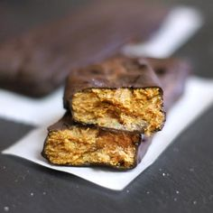 These vegan healthy Butterfingers are sweetened with maple syrup and taste even BETTER than the real thing! Use almond butter for a Paleo candy bar.