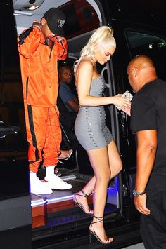 Kylie Jenner reveals the huge sparkler from Tyga is a 'promise ring' Kylie Jenner Makeup, Kylie Jenner Outfits, Kylie Jenner Style, Kendall Jenner, Girls Night Out Outfits, Kardashian Jenner, Hot Girls, My Style, Tyga