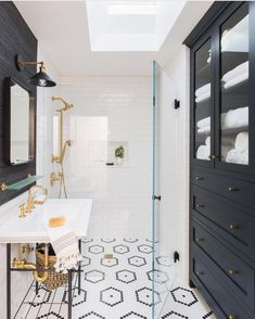 "2,920 Likes, 80 Comments - Audrey Crisp (@audreycrispinteriors) on Instagram: ""This bathroom is stunning! Designed by: @tayloranneinteriors : @alyssarosenheck for: @mydomaine I…"""