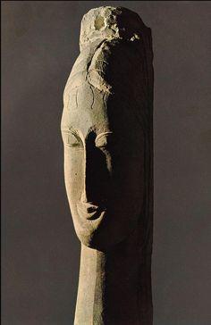 Modigliani, Testa femminile, 1912 stone