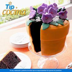 Pastel en forma de maceta. ¿Tendrás una reunión en casa y no sabes que dar de postre? Prepara este pastel en forma de maceta e impresiona a tus invitados. Te compartimos la receta ---> http://on.fb.me/1rcXq7e En Walmart SIEMPRE encuentras TODO y pagas menos.