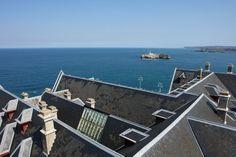 Isla de Mouro desde los tejados del palacio de la Magdalena. Santander, Cantabria. Spain.