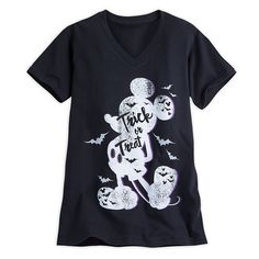 [Bats entertainment]Treat yourself to this Mickey Halloween tee that's tricked…