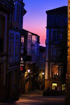 Las puestas de sol en Galicia, son famosas por su belleza ... Santiago de Compostela.