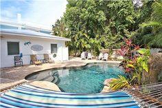 Sandy Pants - 133 White Ave • Anna Maria Island Home Rental in Holmes Beach