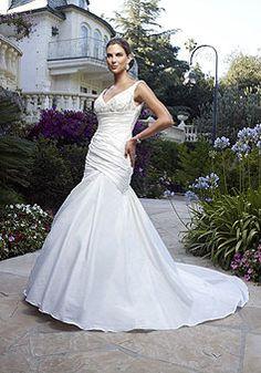 Taffeta Sleeveless Pleats Trumpet Beads V-neck Wedding Dress picture 1