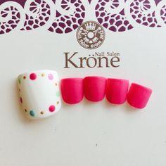 Pink polka dots nails
