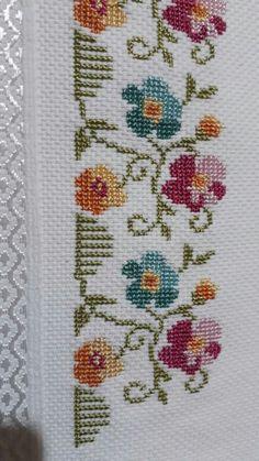 💞💞💞 Vintage Cross Stitches, Simple Cross Stitch, Filet Crochet, Baby Patterns, Needlepoint, Crochet Baby, Hand Embroidery, Cross Stitch Patterns, Needlework