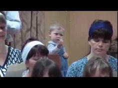 Koroyu Yönettiğini Sanan Aşırı Sevimli Kız Çocuğu - YouTube