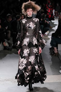 Alexander McQueen Fall 2015 Ready-to-Wear Fashion Show: Complete Collection - Style.com
