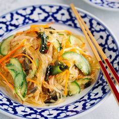 Japanese Glass Noodle Salad (Harusame Salad) is light, refreshing, low calorie and so flavorful with a savory and tangy sesame soy vinaigrette. Japanese Salad, Japanese Food, Japanese Recipes, Japanese Noodles, Japanese Potato, Japanese Curry, Japanese Kitchen, Japanese Snacks, Japanese Dishes