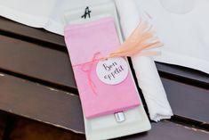 Eine selbstgemachte Serviette für die Hochzeit! #DIY-Wedding #Serviette #JuliaWalterFotografie #doityourself #Gartenhochzeit #pink #Tischdekoration #Hochzeitsdekoration #Hochzeitsplanung