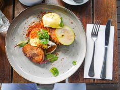 We share our Melbourne brunch spots and key essentials to getting around the city with you Melbourne Brunch, Brunch Spots, Avocado Egg, Food Inspiration, Eat, Breakfast, Essentials, Morning Coffee, Avocado Egg Boats