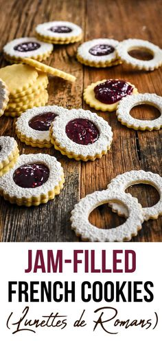 "Jam-filled French Cookies - - Jam-filled French Cookies Dessert These ""Lunettes de Romans"" French cookies are made of crisp and buttery sables cookies filled with raspberry jam. So simple to make, and so pretty! Cookies Fourrés, Sable Cookies, Filled Cookies, Buttery Cookies, Cookie Desserts, Cookie Recipes, Snack Recipes, Cookie Ideas, Sable Recipe"