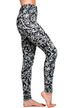 Soxxy Socks Leggings Chelsea. Form fitting leggings in a chic floral print. $45