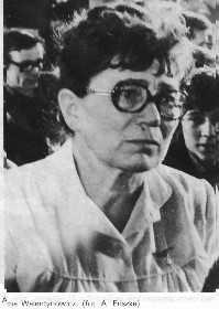 Anna Walentynowicz - 1929-2010 - Syndicaliste fondatrice du syndicat Solidarnosc aux chantiers de Gdansk où elle était grutière. Oubliée par l'HIStoire au profit de Lech Walesa. http://fr.wikipedia.org/wiki/Anna_Walentynowicz