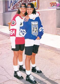 Tia and Tamara Mowry design It does not take period of time whenever women Black 90s Fashion, 2000s Fashion, Look Fashion, Fashion Outfits, 90's Hip Hop Fashion, 90s Fashion Grunge, Elijah Wood, Throwback Outfits, 90s Hip Hop Outfits